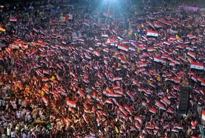Une nouvelle manifestation monstre de soutien au gouvernement syrien s'est déroulée dimanche 17 juillet à Damas.