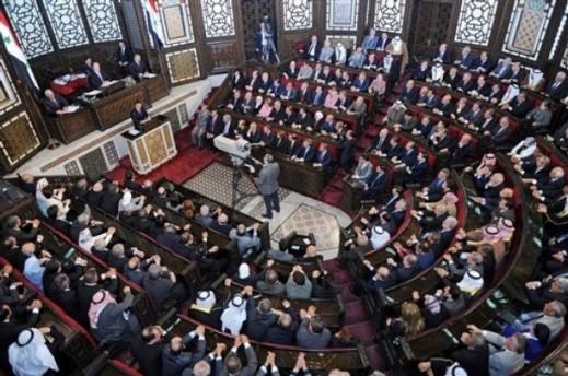 Bachar al-Assad devant le parlement syrien, le 30 mars dernier : un unanimisme révolu ?
