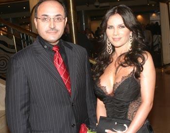 Ghassan ben Jeddou (à gauche) vedette démissionnaire d'al-Jazeera