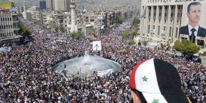 """Un des rassemblements pro-Assad """"peu médiatisés"""" par L'Express & consorts..."""