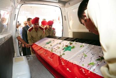 Obsèques d'un des 500 soldats et policiers victimes de manifestants pacifiques, le 6 août
