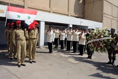 Obsèques des membres des forces de l'ordre syriennes tombés au cours de confrontations avec des opposants présumés pacifiques et désarmés