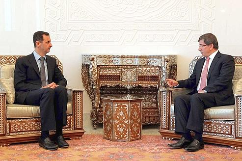 Bachar al-Assad et Ahmet Davutoglu en rendez-vous