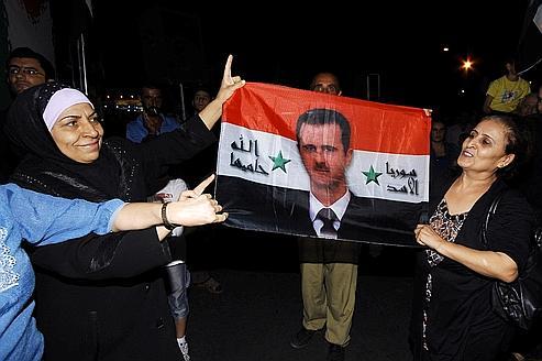 Manifestants pro-Bachar à Damas samedi 20 août : manifestement, ils ne lisent pas la presse française !