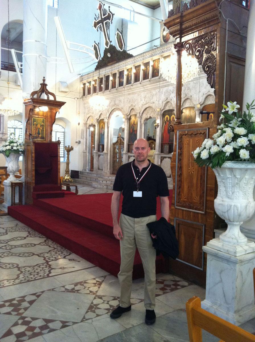Alain Soral dans l'église Marie-Mariam