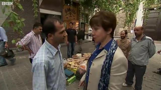 Lyse Doucet est prise à partie par les Damascènes