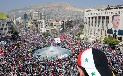 """Quelques centaines de milliers de Syriens n'ont pas encore réalisé que Bachar était """"à bout"""". Qu'on les abonne d'urgence à Libé ou au New York Times !"""
