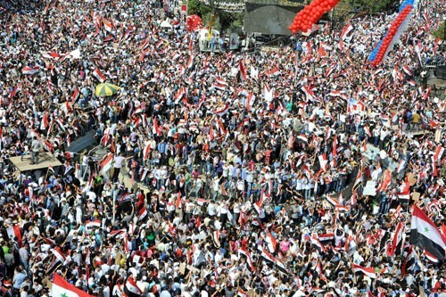 Manifestation en soutien à Bachar al-Assad à Damas le 12 octobre 2011
