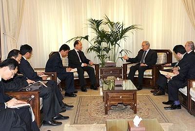 Les entretiens politiques de la délégation chinoise...