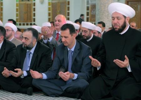 Comme le rappelle le groupe Avicenne aux abonnés du Monde, il est faux de dire que tous les sunnites ont basculé dans l'opposition. Ce n'est notamment pas le cas du premier d'entre eux, le Grand mufti Hassoun...
