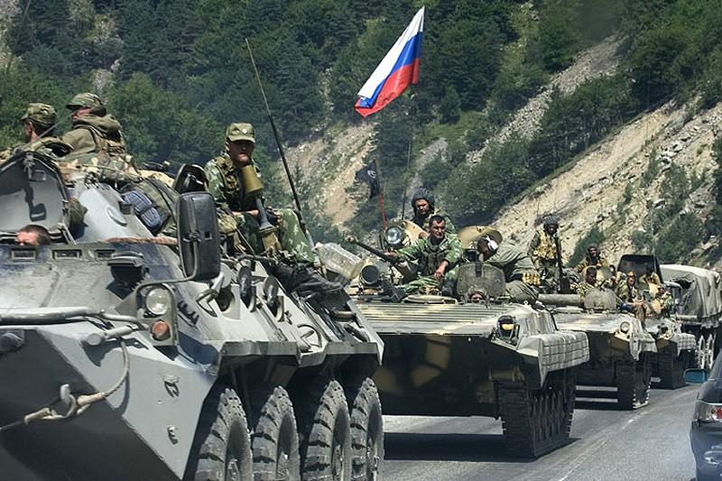 """En août 2008, la Russie avait montré aux Américains, par Géorgiens interposés, qu'elle ne tolérerait plus leurs manoeuvres d'encerclement et de """"grignotage"""". Aujourd'hui, Moscou doit faire face à un défi à maints égards similaire en Syrie."""