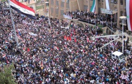 Hasaka, le 13 novembre : la télévision française découvre d'autres types de manifestations syriennes