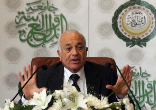 Nabil al-Arabi reprend avec brio le rôle de Tartuffe en l'adaptant au contexte arabe actuel