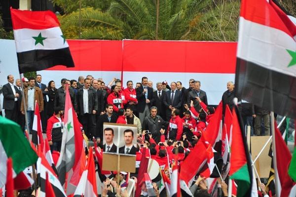 La venue de Bachar au contact de ses partisans à Damas, le 10 janvier, a apparemment beaucoup impressionné le reporter de CNN