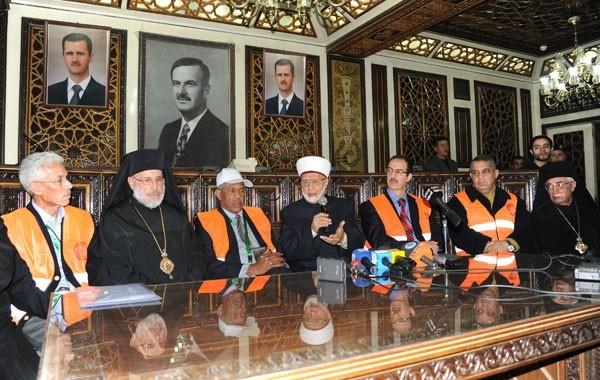 Damas, le 16 janvier : les observateurs de la Ligue arabe au contact d'une réalité syrienne : le front uni anti-violence et anti-ingérence des chefs religieux syriens, sunnites, alaouites et chrétiens