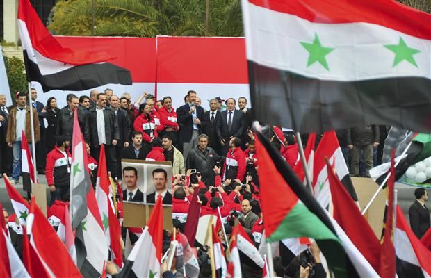 """Le 10 janvier, Bachar prolongeait son discours officiel par une intervention en """"live"""", place des Omeyyades"""