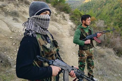 Ils ne libèrent pas, ils terrorisent et tuent ; ils ne combattent pas pour la démocratie, mais pour l'Islam - et l'OTAN ; ils sont autant les ennemis des Syriens moyens que de Bachar al-Assad