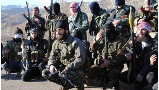 """Une """"unité"""" de l'ASL pose pour la presse : des Kalashnikov et des barbes farouches ne font pas une vraie armée, ni même des Talibans"""