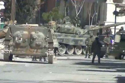 Blindés syriens à Yabroud, près de la frontière libanaise : l'armée syrienne a fait baisser, semble-t-il, le niveau global de la violence : Ban Ki-moon devrait être content !