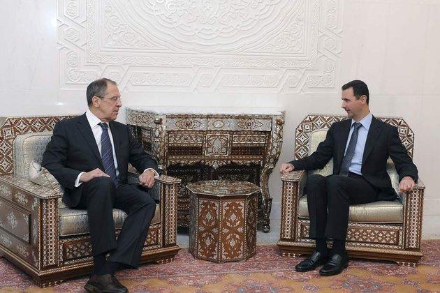 Sergueï Lavrov à Damas, le 7 février : c'est parce que la crise est pour l'essentiel surmontée que Moscou peut s'autoriser une critique - modérée - de Bachar et du pouvoir syrien