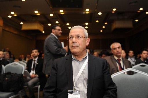 """Burhan Ghalioun à Istambul le 27 mars : durement secoué par ses """"ouailles"""", le président du CNS a obtenu un sursis"""